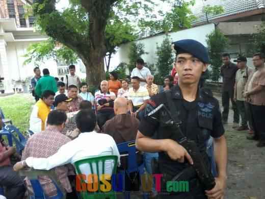 Rumah Pelaku Bom Bunuh Diri Dipriksa Polisi